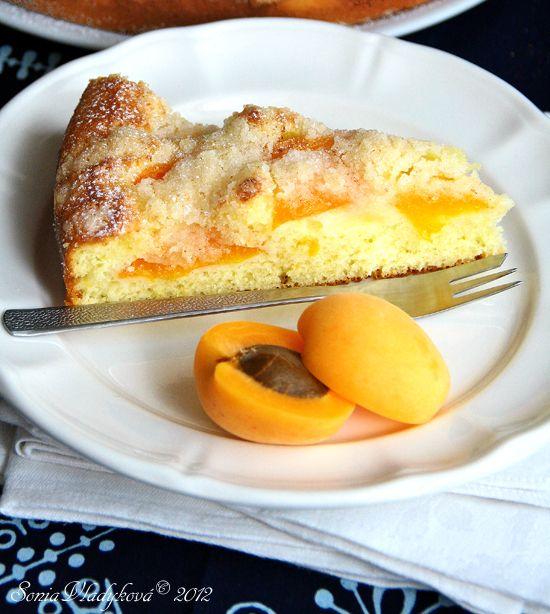 Unavená vařečka: Meruňkový koláč s vůní skořice