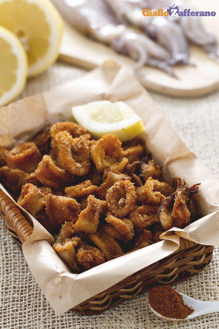 Anelli di calamari al forno: una golosa alternativa al fritto, resi ancora più saporiti dalla paprika dolce.   [Baked squid rings]