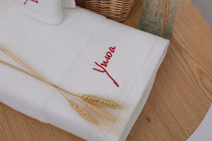Blanca toalla de ba o para hotel de lujo con el corte for Toallas bano el corte ingles