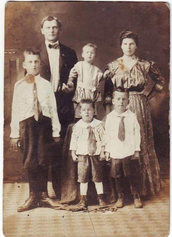Vintage Photo  Family Photo  Family Picture  1910s Photo
