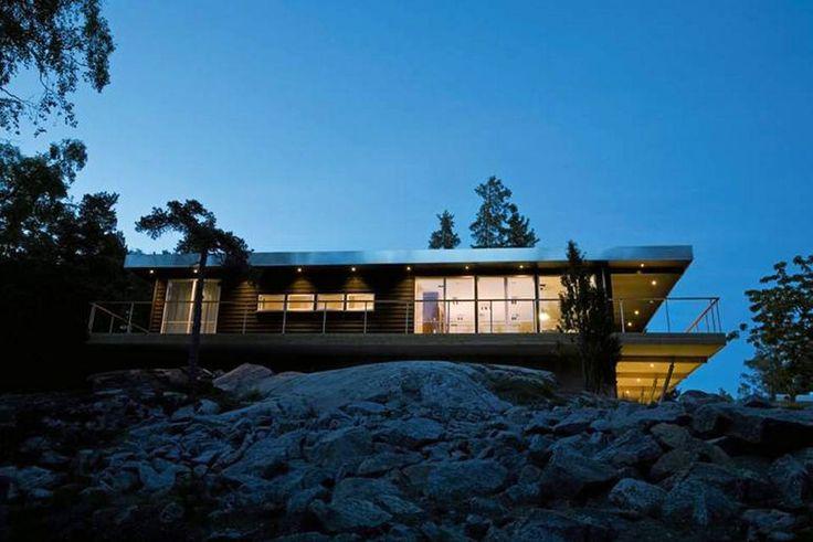 DIALOG MED ARKITEKTEN: Svenske Willa Nordic har blant annet en rekke grunnmodeller som de tilbyr kunden å arbeide videre med - i samarbeid med kjente arkitekter.