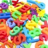 Magnetische letters en cijfers stock photography