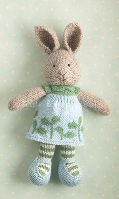 Hase (Stricken).  Hasenmädchen mit Kleid.  Knit Bunny.  littlecottonrabbits.typepad.co.uk