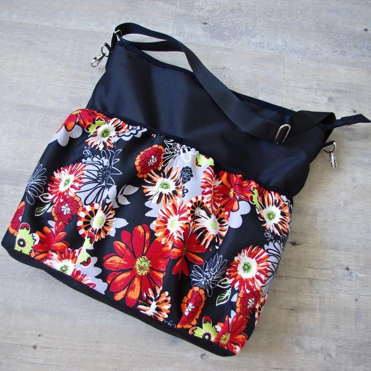 Nejraději mám základ tašky jednobarevný a pestrá jen kapsa