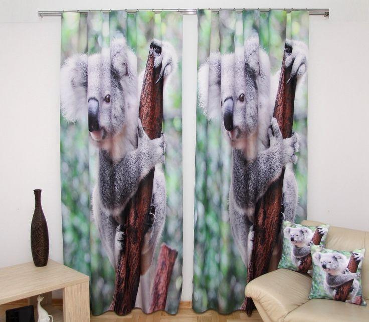 Závěs na okno zeleno hnědé barvy s šedou koalou