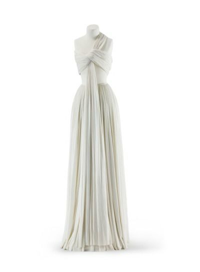 Madame Grès, evening dress, 1973.  Kunstgewerbemuseum, Staatliche Museen zu Berlin.