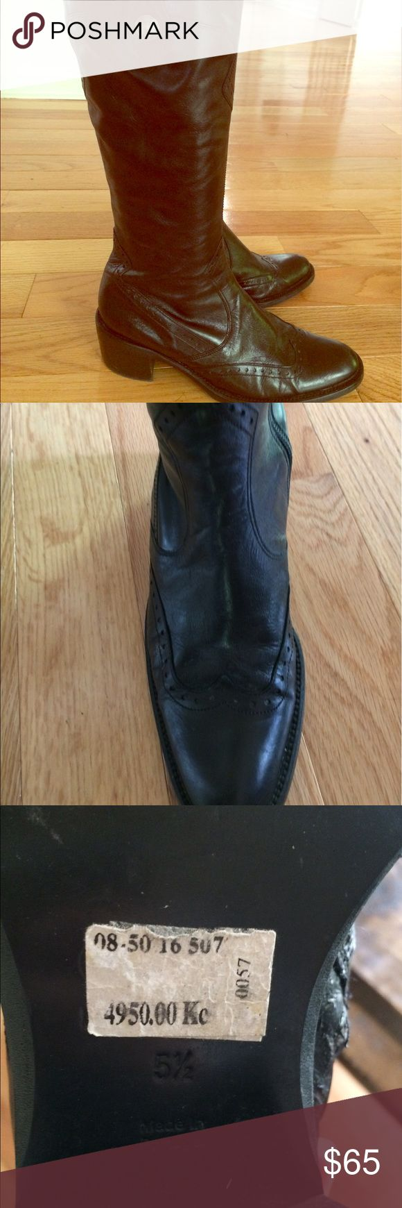 Gomma Davos Gabor Black Western Boots 7.5 Beautiful preowned Gabor leather boots with western detail. Shoe reads 5.5 but made in Portugal so fits more like a US 7.5 Gabor Shoes Heeled Boots
