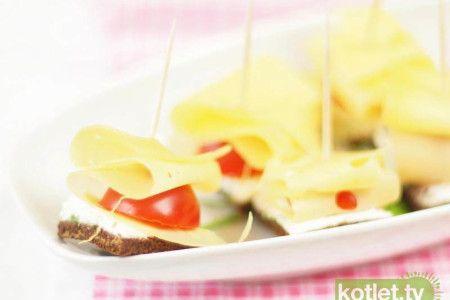 Kanapeczki z pomidorkiem