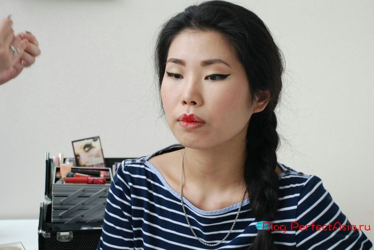 Идея подготовить для блогасерию уроков по макияжу для азиатского типа внешности зрела у меня давно. Но только с появлением на моем горизонте Нади Богданчиковой это стало возможным. Надя — пр…