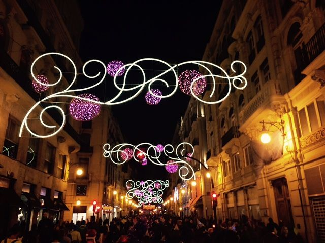 Alumbrado navideño en la calle de La Paz de Valencia.