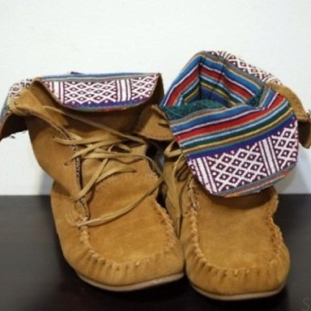 Steve Madden T blanket Moc Boot Moccasin Boots.