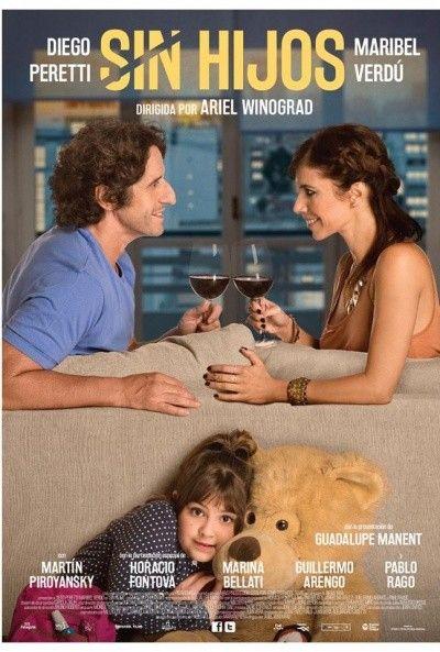 Sin hijos es una película argentina de comedia y romance de 2015 dirigida por Ariel Winograd y protagonizada por Diego Peretti y Maribel Verdú. https://es.wikipedia.org/wiki/Sin_hijos_(pel%C3%ADcula_de_2015)