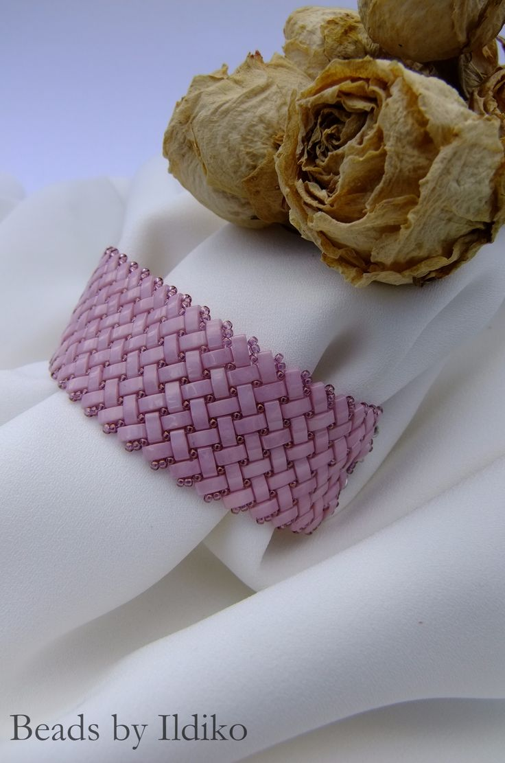 Pink half tila bracelet Lüszteres rózsa karkötő Tuto:https://hu.pinterest.com/pin/348817933625145251/