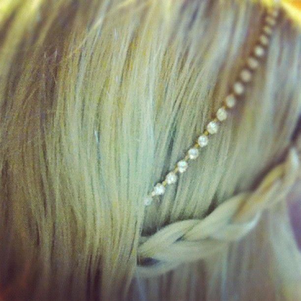 Beautiful hair craft by Tori Spelling  @Sabrina Brochu