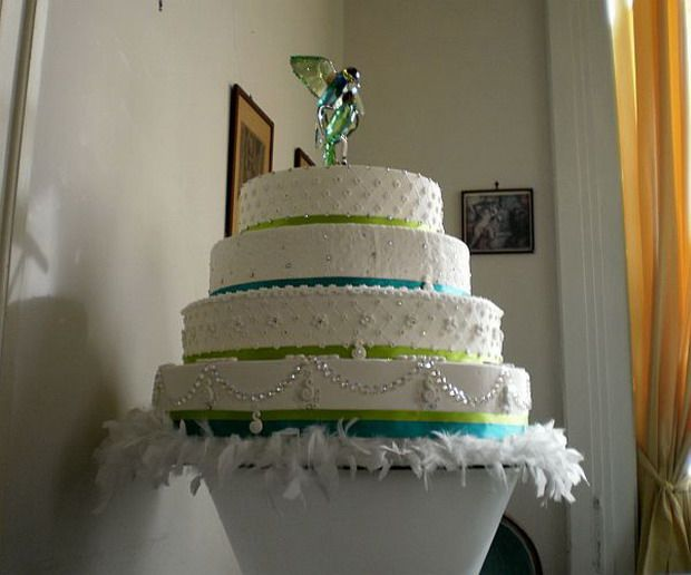 world s most extravagant wedding cakes 33 best images about world s most expensive cakes and 27637