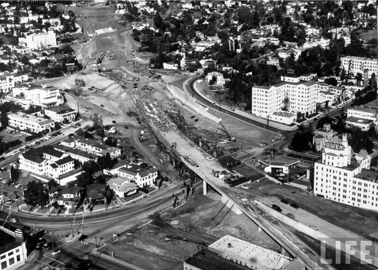 Construction of the 101 through Hollywood in 1953. You can see the Castle Argyle and the Hollywood Tower among the buildings. Source: Life Magazine (Bizarre Los Angeles)