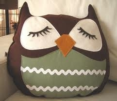 Diy owl pillow! :) I want to make one for my sister!!