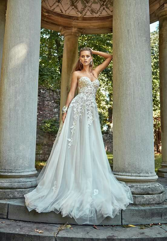 A-line lace and tulle wedding gown