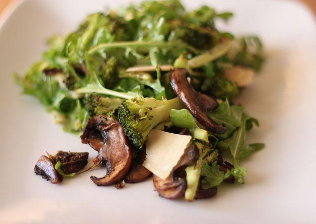 Roasted Broccoli Salad with Arugula & Mushrooms: Roasted Broccoli Salad