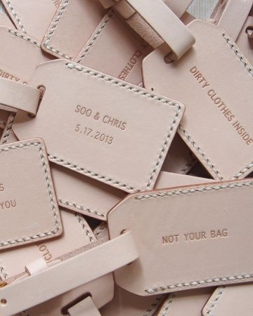 Smart Travel Souvenir, personalized luggage tags.