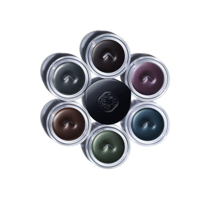 Ispirate ai colori degli oggetti e dei paesaggi nipponici, le tonalità del nuovo Instroke Eyeliner esaltano la bellezza naturale dei tuoi occhi. Hai già scelto il tuo colore? #sharebeauty