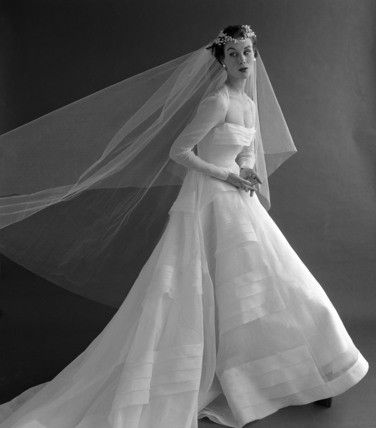 Beautiful 1950's wedding Gown