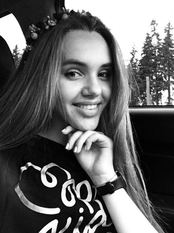 Привет! Это я Ангелина Романовская! Участница группы Open Kids !