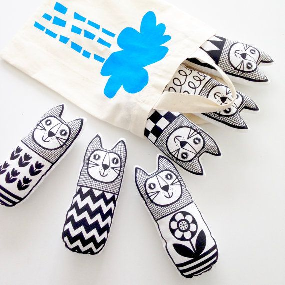 Make your own set of mini monochrome geometric cats - these are suitable for children to make from the age of 8+