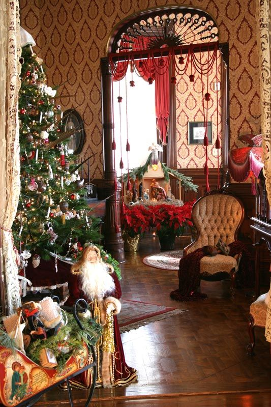 Victorian Bed and Breakfast Christmas Getaway: The Empress