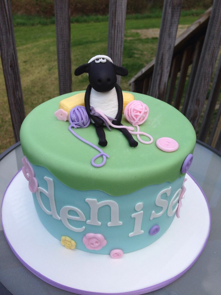 Shaun the Sheep Cake, by Amy Hart
