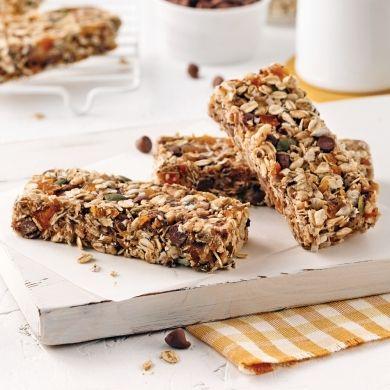 Faciles à préparer, ces barres sans cuisson sont en prime sans lactose, sans arachides, sans noix et sans oeuf, ce qui en fait la collation idéale pour tous!
