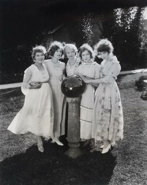 Mary Pickford, Lottie Pickford, the Gish sister's mother,  Dorothy Gish, and Lillian Gish. Lillian was one of few people Mary would see as she became a recluse later in life.