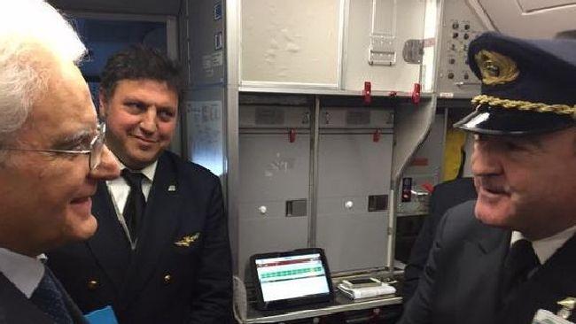 Sergio Mattarella in visita privata a Palermo con un volo linea