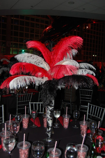 Can't get over the feather centerpieces! They're so eclectic and beautiful: unique but still classy and elegant!