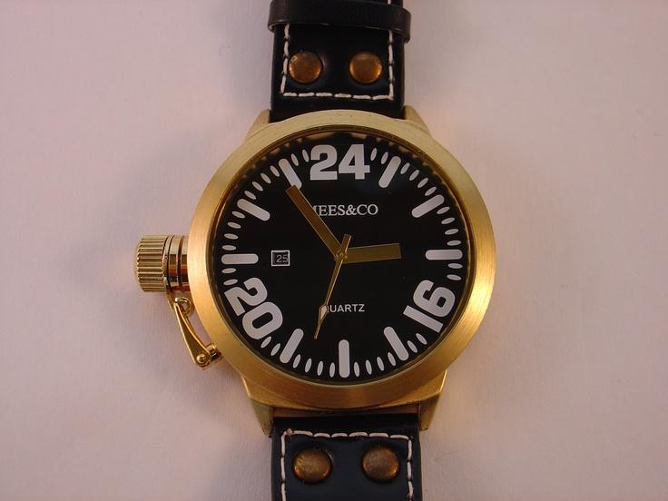 Mees & Co. grote horloges voor zowel dames als heren. Helemaal goed de komende zomer, met Japans quartz uurwerk en een prachtige leren band.