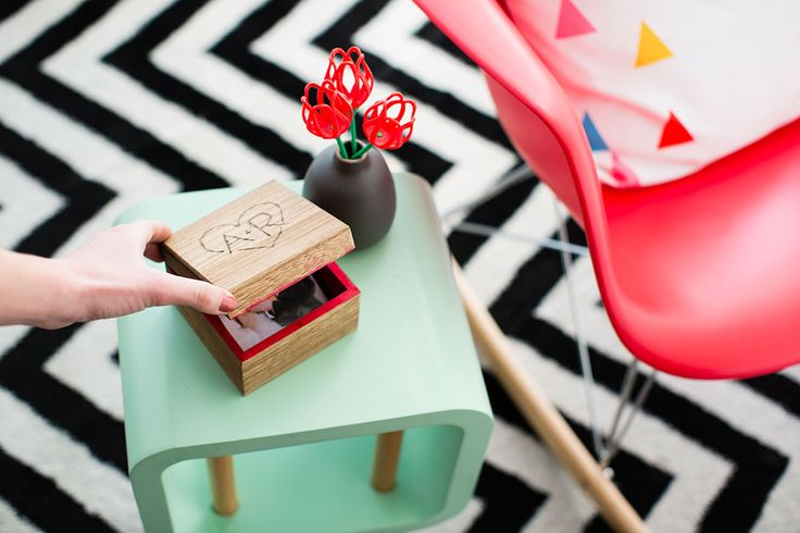 How to Make a Pop-Up Photo Box for Your Special Shutterbug via Brit + Co