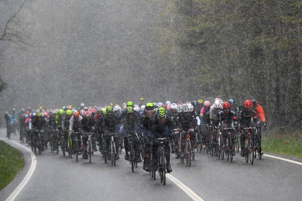 Voici les parcours et profils de la Flèche Wallonne et de Liège-Bastogne-Liège 2017 -  Amaury Sport Organisation et la province de Liège ont dévoilé ce mardi le parcours des deux grandes classiques wallonnes du mois d'avril : la Flèche Wallonne et Liège-Bastogne-Liège. Et sur les deux épreuves, il va y avoir de sacrés changement : le Mur de Huy reste au centre de la Flèche avec toutefois un circuit plus r