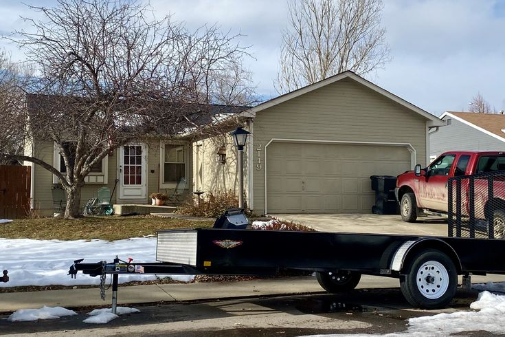 We Installed A New Roof On This Home In Longmont Using Certainteed Landmark Shingles In The Color Moire Black Roofing Contractors Roof Roofing