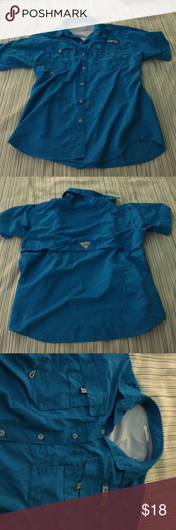 COLUMBIA PFG SHIRT NICE CONDITION COLUMBIA SHIRT. SIZE MEDIUM. HAS 2 POCKETS ALONG WITH BREATHING ON THE BACK. Columbia Shirts Casual Button Down Shirts