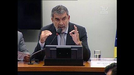 G1 - Comissão aprova reduzir para 16 anos a idade penal para crimes graves - notícias em Política