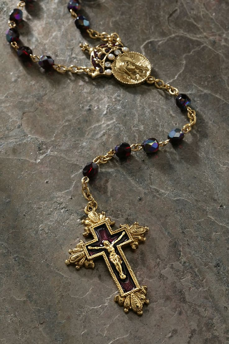 This rosary is the color of royalty and bears a medal adorned with a crown. Let this put you in remembrance that Jesus is the King of Kings and Lord of Lords. Materials used Triple plated 24k gold ton