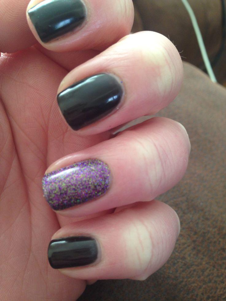 Glitter feature nail in cartwheel ☺️