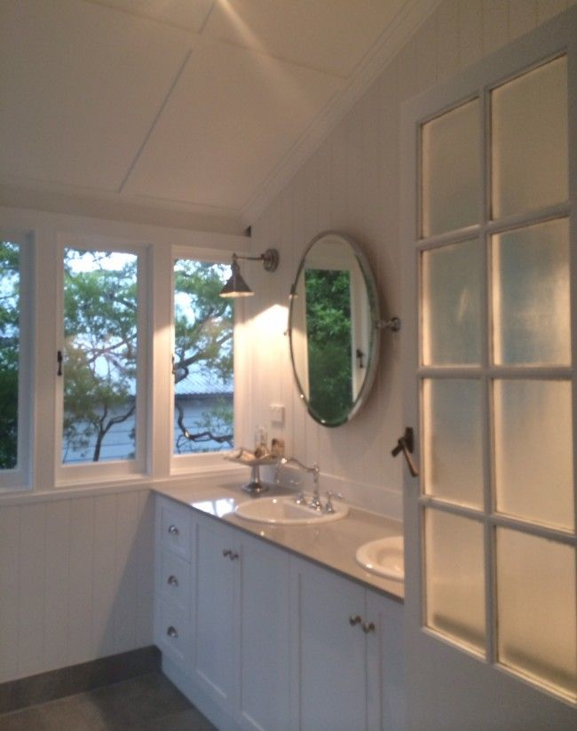 28 Linda Street, Sherwood bathroom roof - same.. and loving the white