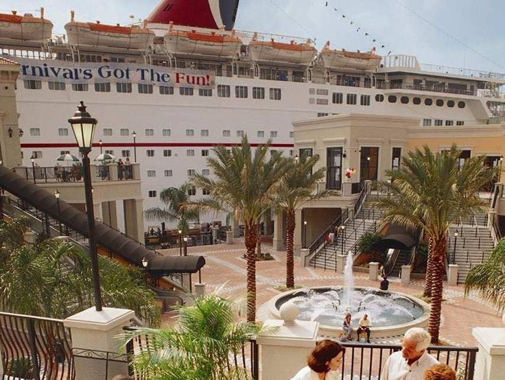 Tampa (FL) Hilton Garden Inn Tampa East Brandon United States, North America Hilton Garden Inn Tampa East Brandon is perfectly located for both business and leisure guests in Tampa (FL). The hotel offers a wide range of amenities and perks to ensure you have a great time. Take advantage of the hotel's 24-hour front desk, facilities for disabled guests, express check-in/check-out, luggage storage, Wi-Fi in public areas. Comfortable guestrooms ensure a good night's sleep with so...
