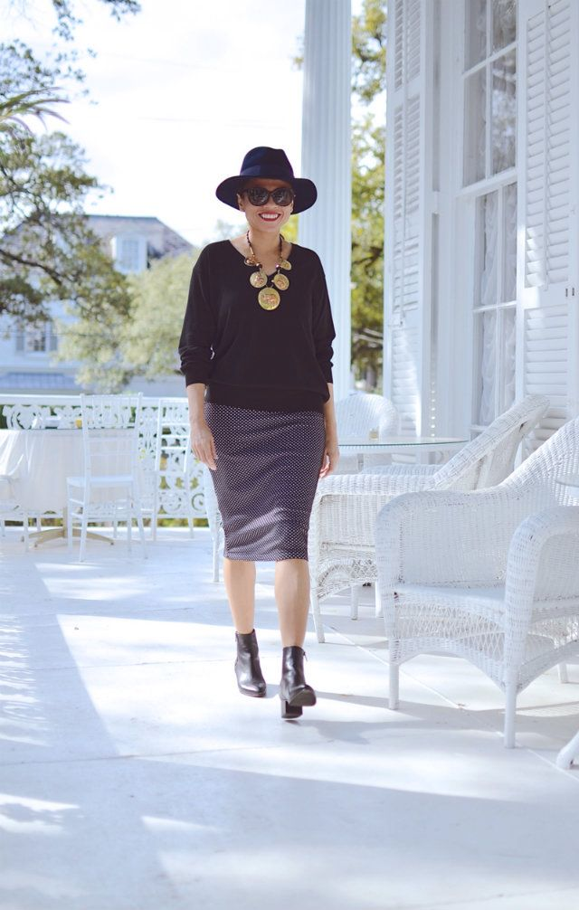 Check out this Fabulous After 40 Styleblazer! Carelia from My Small Wardrobe