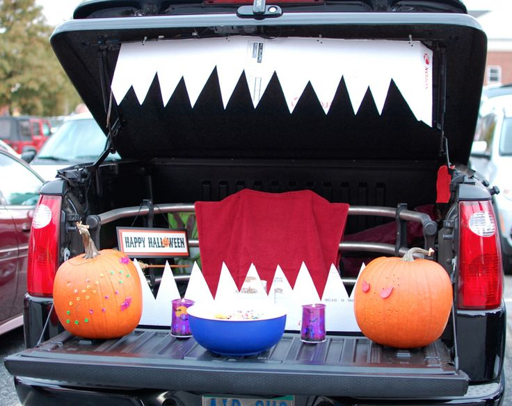 111 best holiday halloween trunk or treat images on pinterest trunk or treat happy halloween and halloween crafts