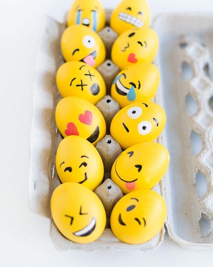 """www.kidsdinge.com on Instagram: """"#DIY #Emoji #Easter #Eggs ❤️     #crafts #knutselen #peuters #kleuters #pasen #inspiratie #inspiration #kids #kinderen #school #doityourself #diyideas #Diyproject #osterspass #osterfest #Ei #Food #Brasschaat #Kidsdinge #welovekidsdinge"""""""
