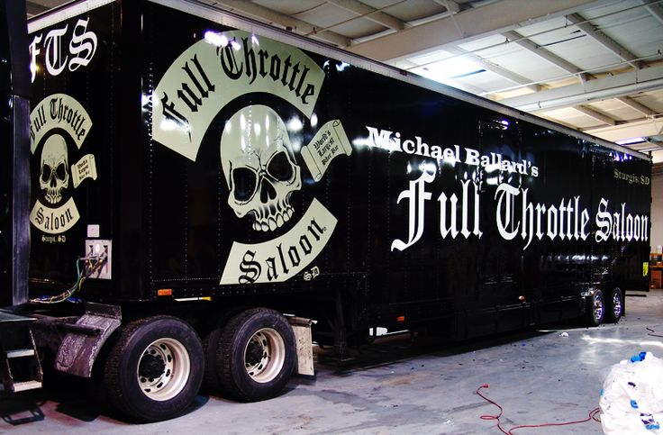 Full Throttle Saloon Bus