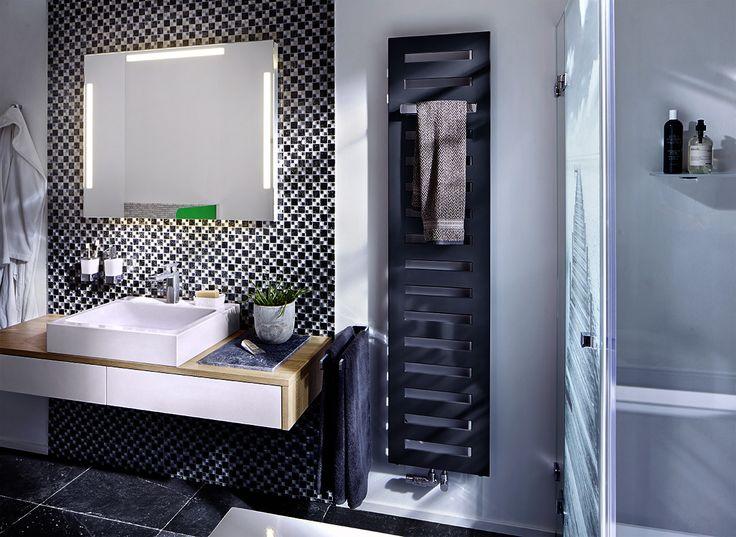 PONTE - LED Lichtspiegel  die wichtigsten drei Lichtquellen in einem Spiegel für das optimale Make-Up.  #ponte #zierath #led #light #mirror #lichtspiegel #backlitmirror #bathroom #bath #interiordesign #modern #manufaktur