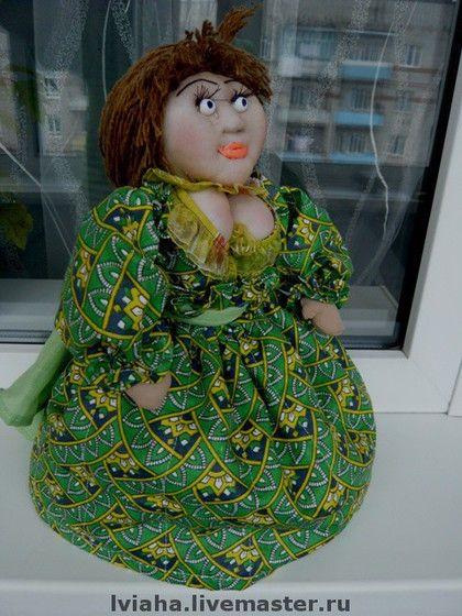 Кукла-грелка на чайник  Маргарита.